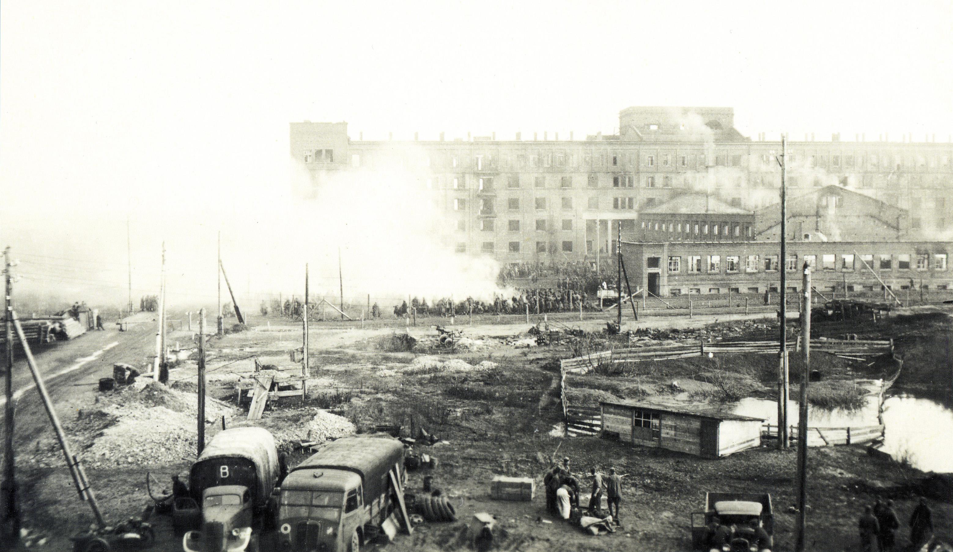 1941.  Пересыльный лагерь военнопленных Дулаг-240
