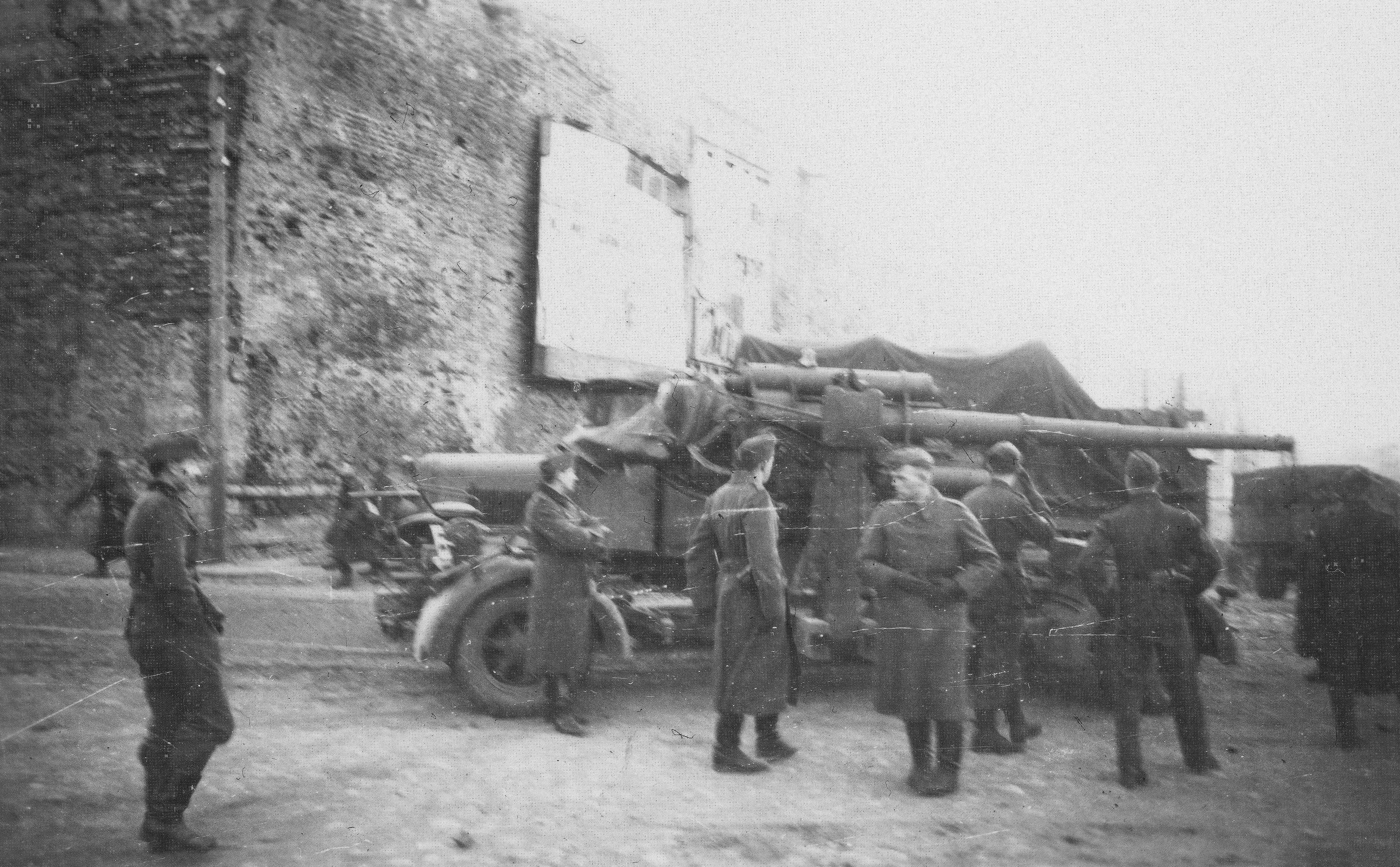 1941.  Немецкая артиллерия перед Троицким проломом