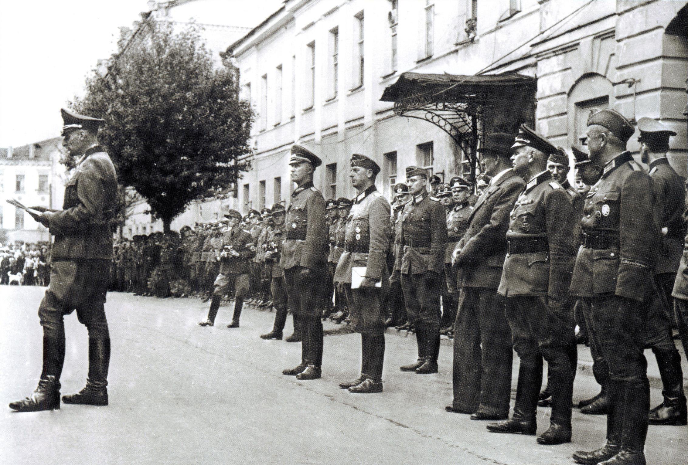1943. Празднование 2-й годовщины «освобождения Смоленска». 16 июля  (3)