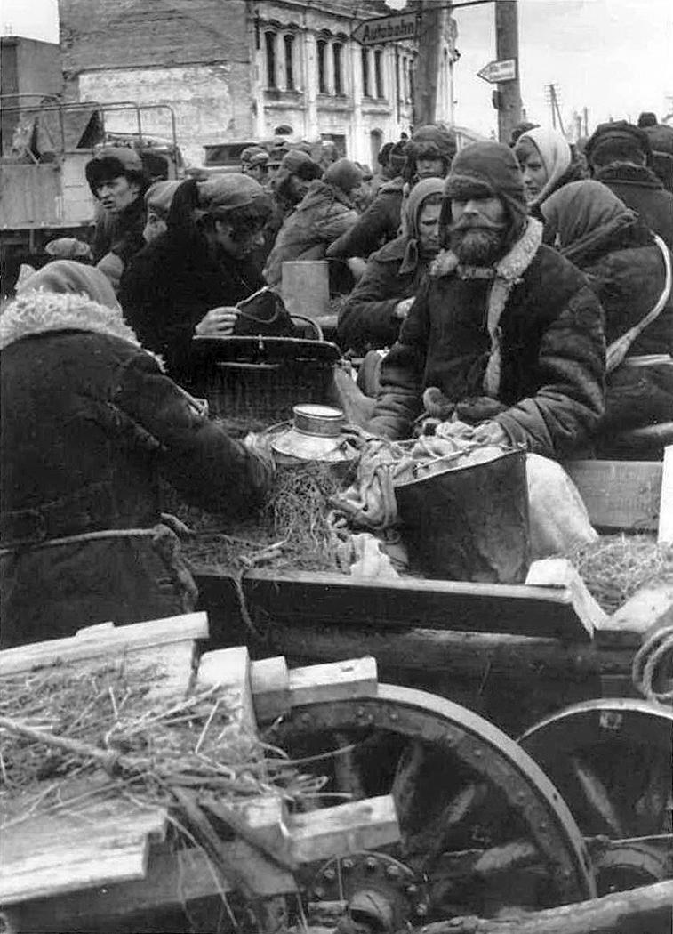 1943. Рынок на Сенной площади