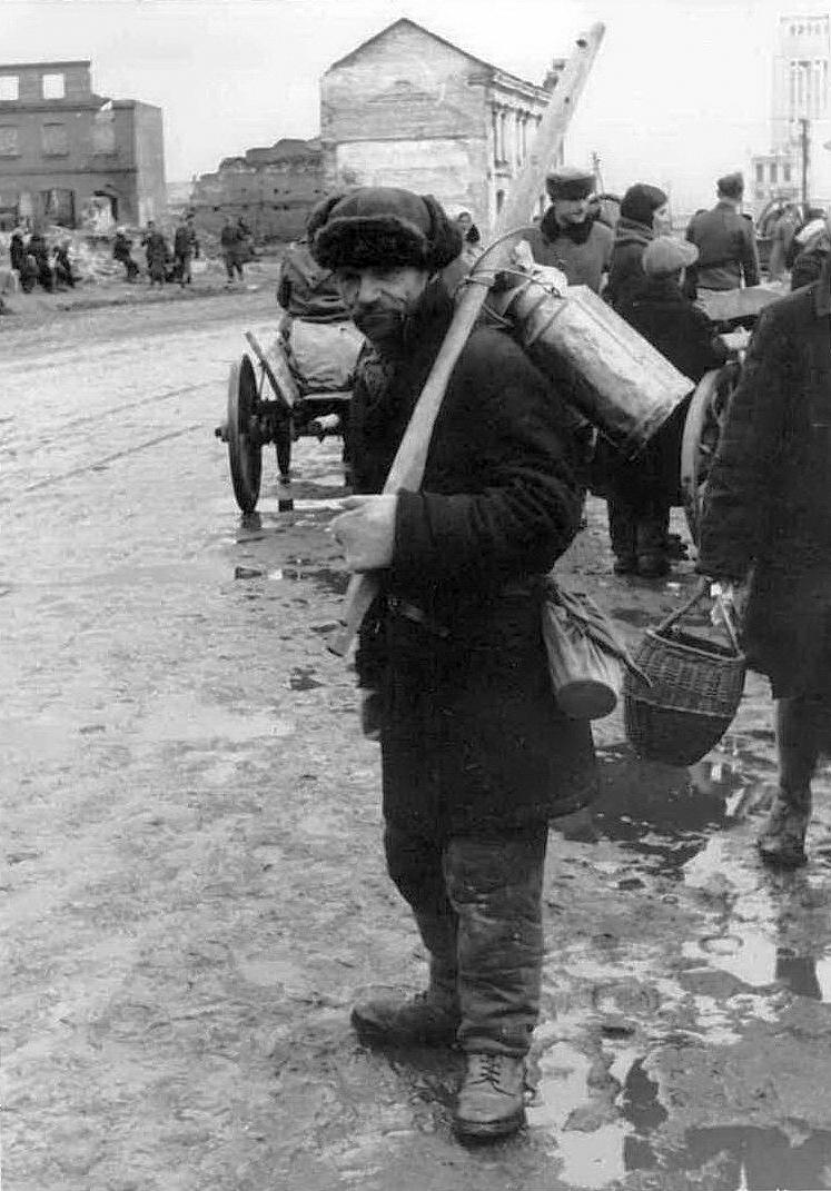 1943. Рынок на Сенной площади2