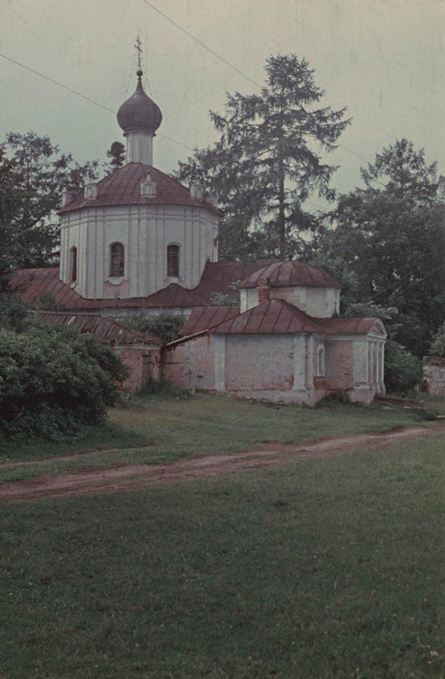 Окрестности Торжка. Воскресенская церковь погоста Прутня