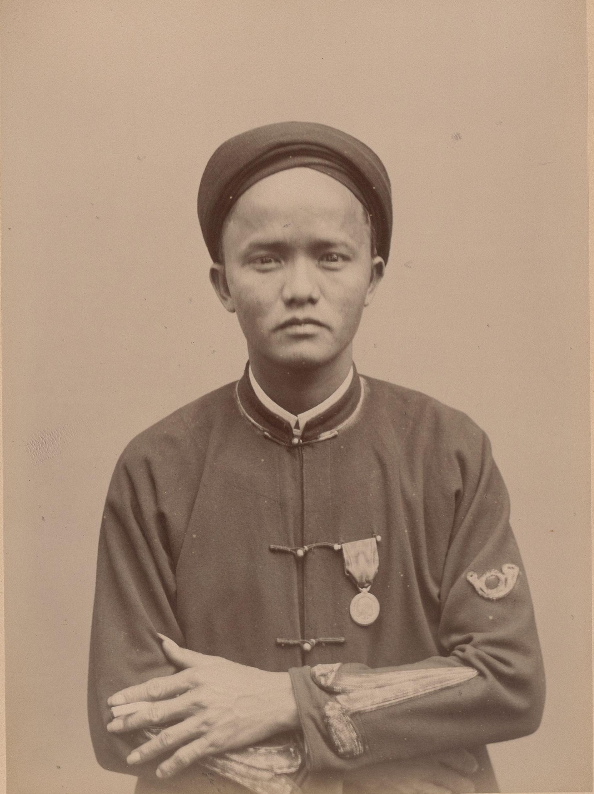 Кэм, 28 лет, родился в Сайгоне (анфас)