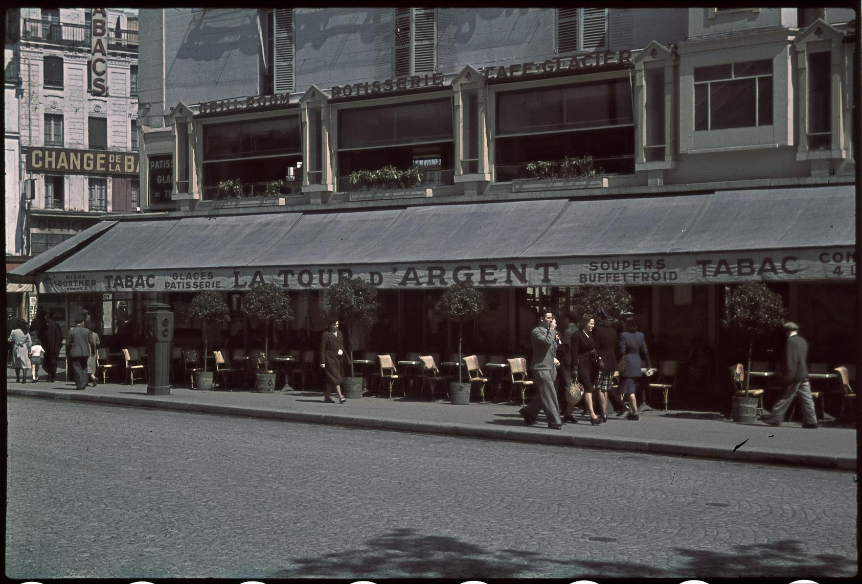 Кафе-ресторан Серебряная башня на площади Бастилии