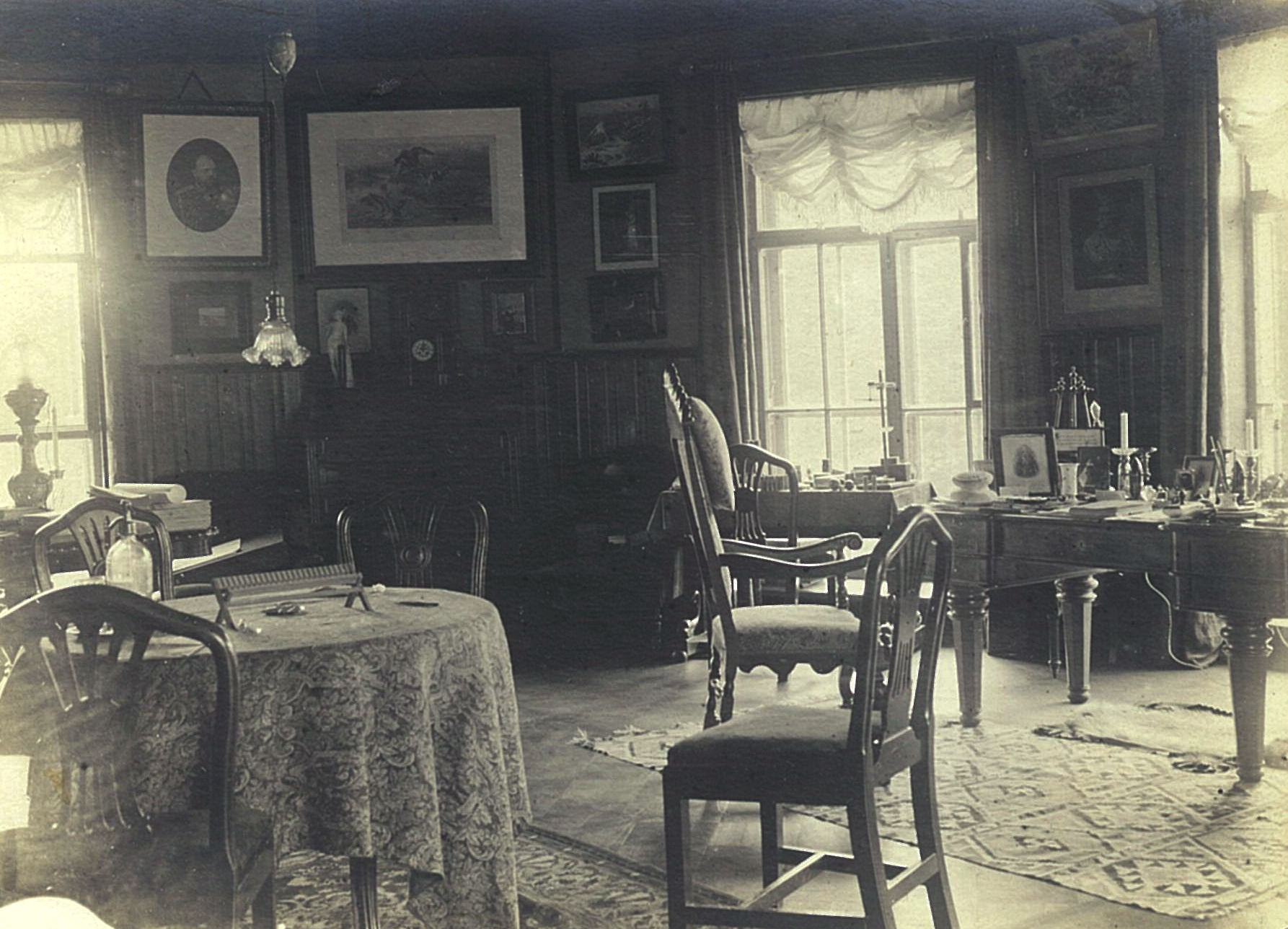 Рабочий кабинет в усадебном доме