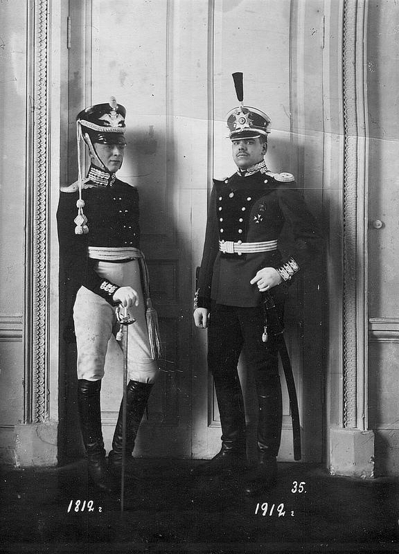 Форма офицера батальона образца 1812 года и 1912 года.
