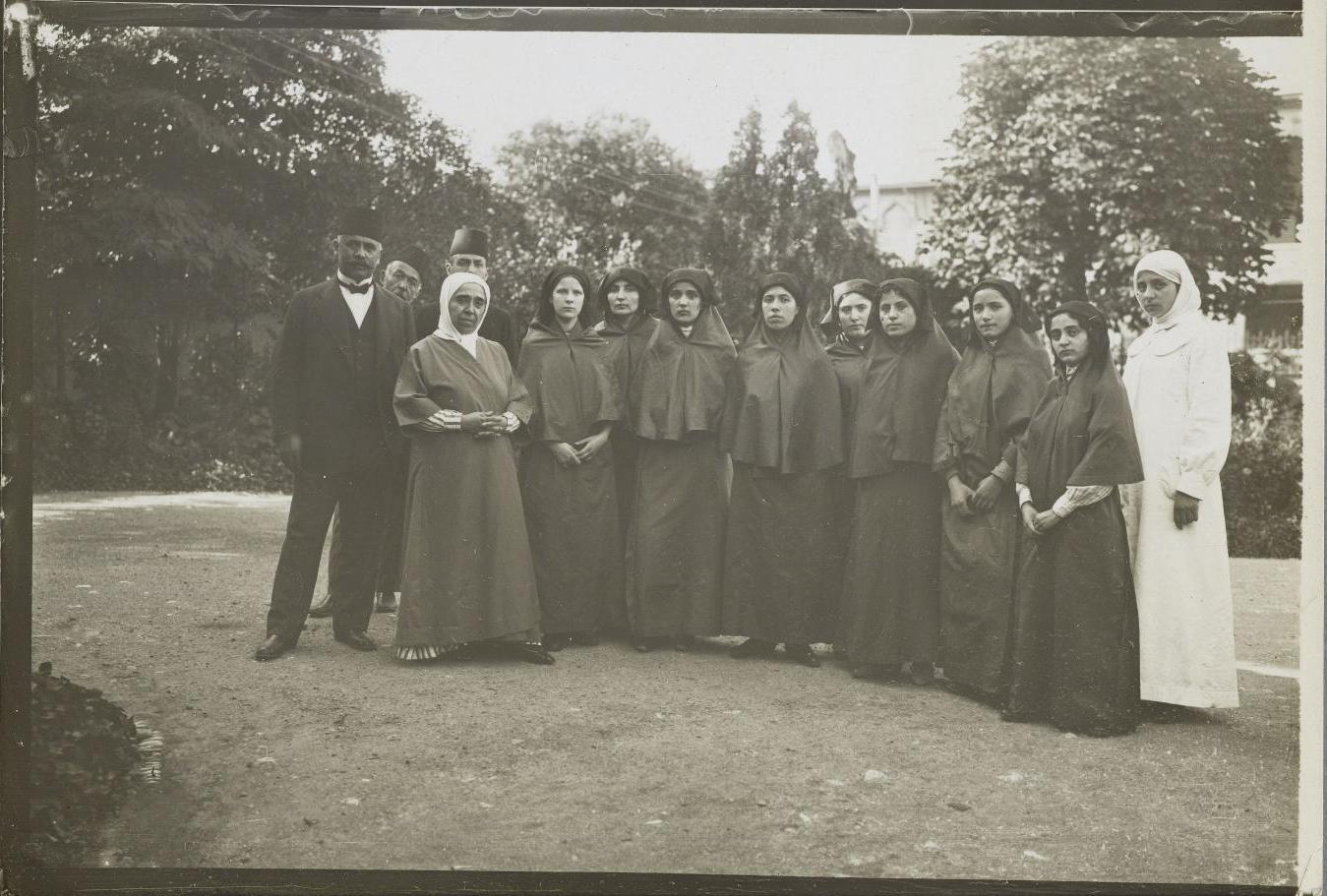 Учительский колледж для женщин. Групповой портрет