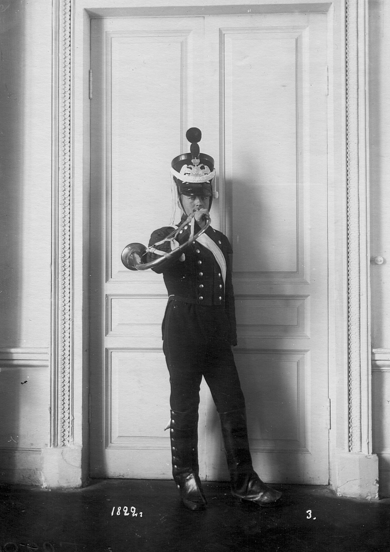 Горнист батальона в форме образца 1822 года.