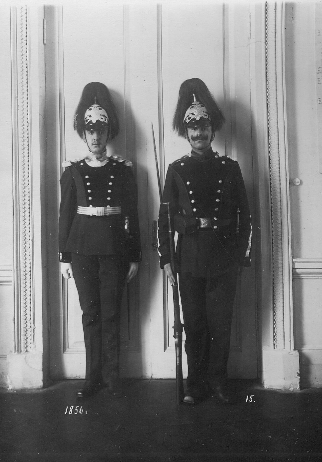 Форма офицера и солдата батальона образца 1856 года.