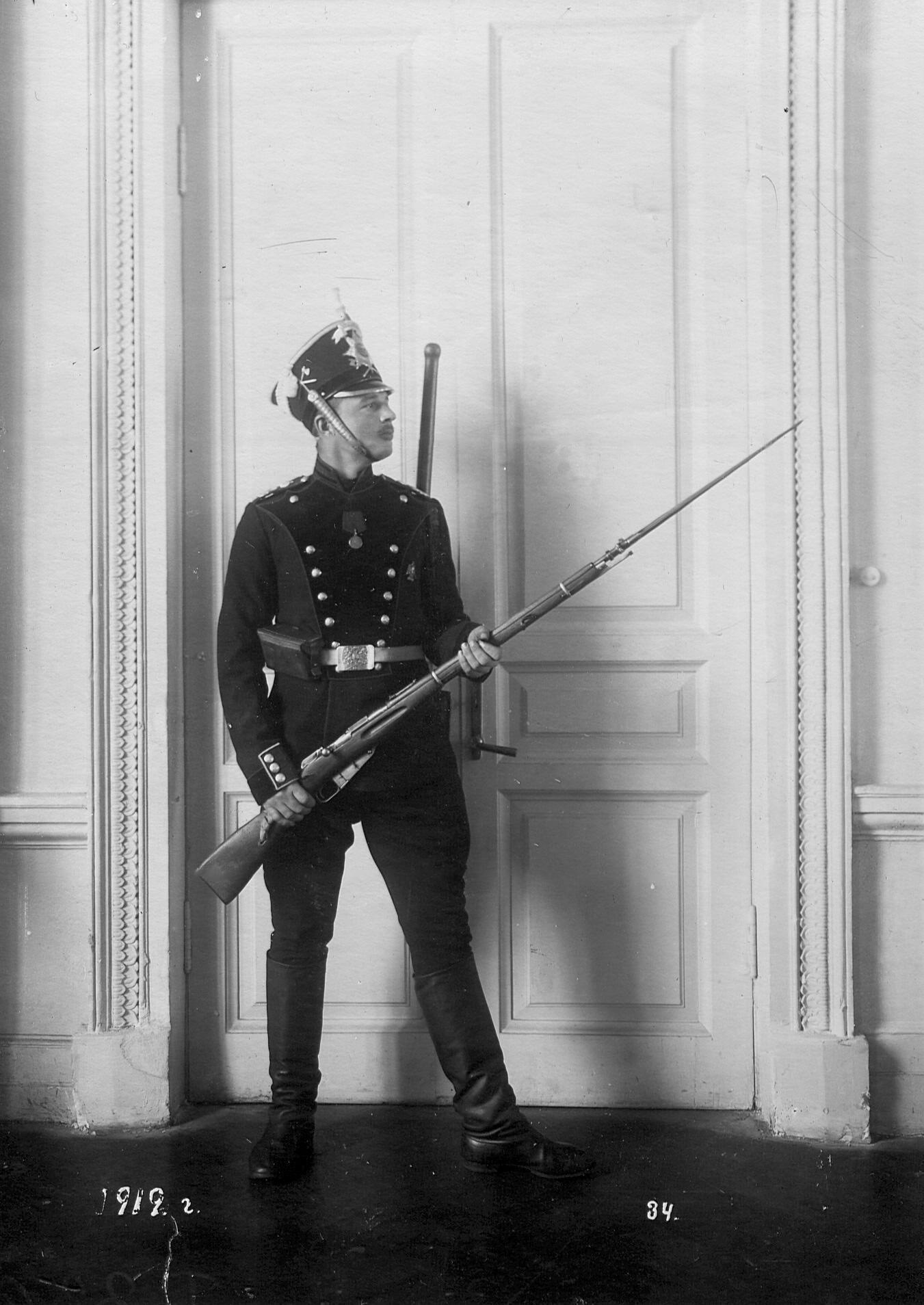 Рядовой сапер батальона в форме образца 1912 года.