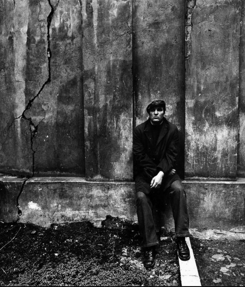 1977. Алексей Петренко на съемках фильма «Беда».