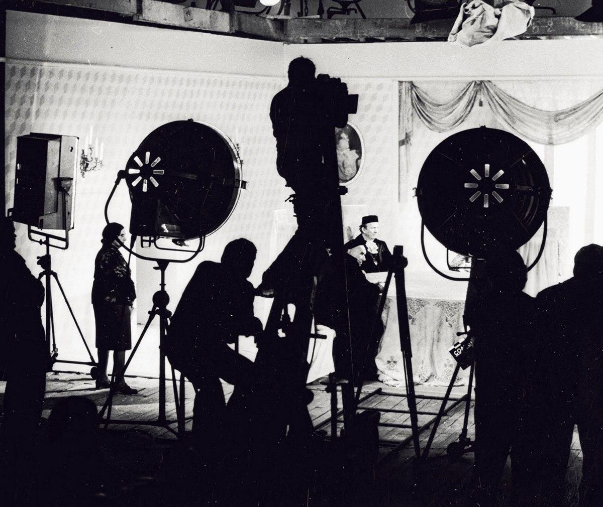 1979. Рабочий момент съёмок фильма «Соловей», режиссёр Надежда Кошеверов