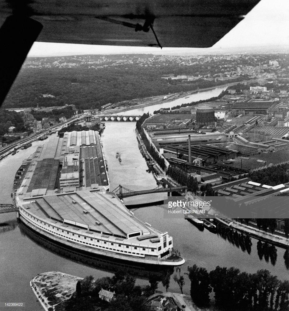 1935. Вид с воздуха на остров Сегуин, Париж