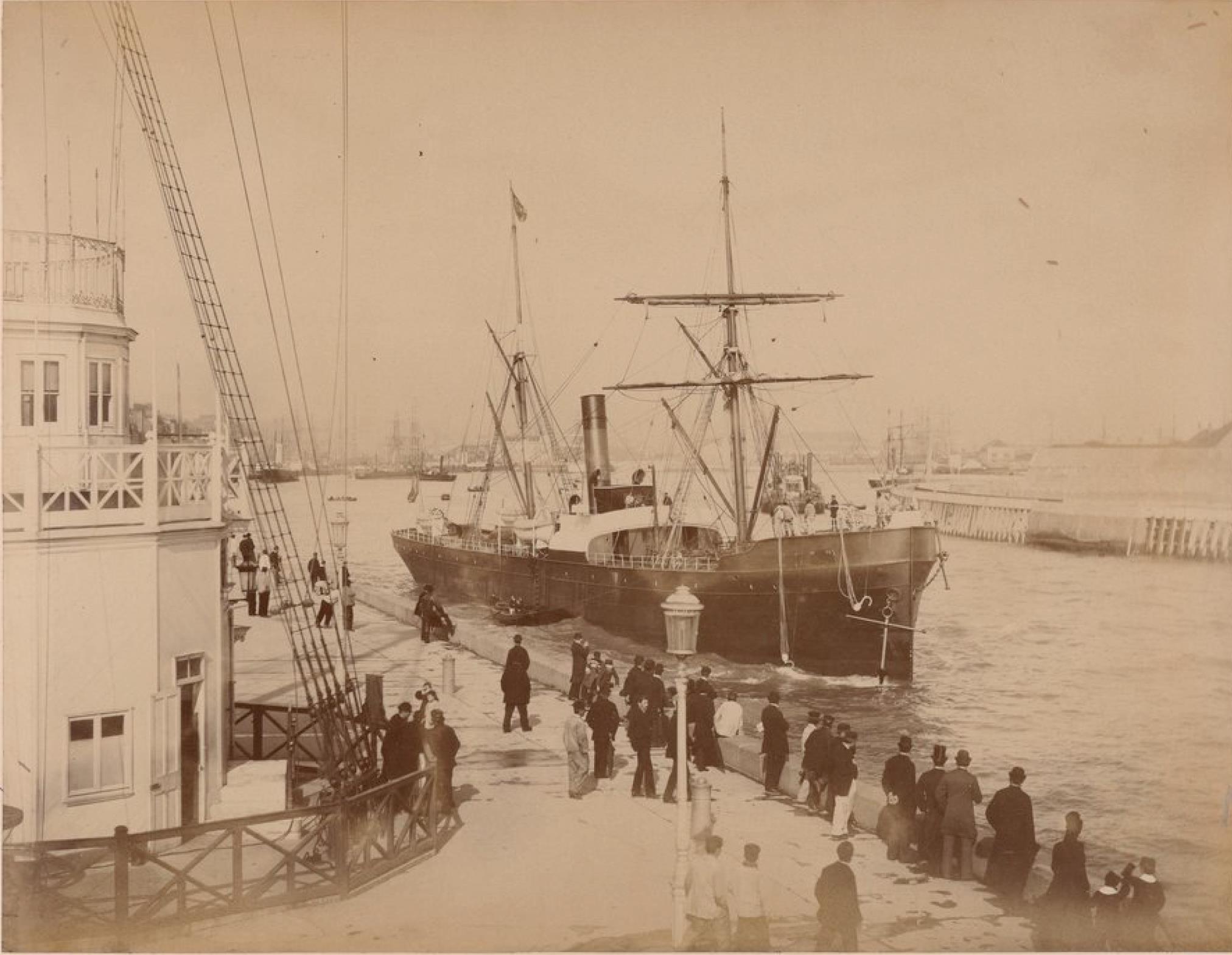 Франко-канадская компания. Пассажирское судно «Дамара»