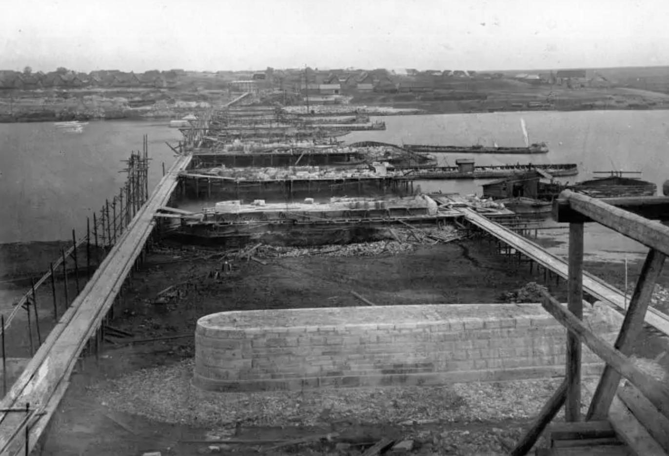 30 cентября 1863 года. Вид на работы с московского берега.
