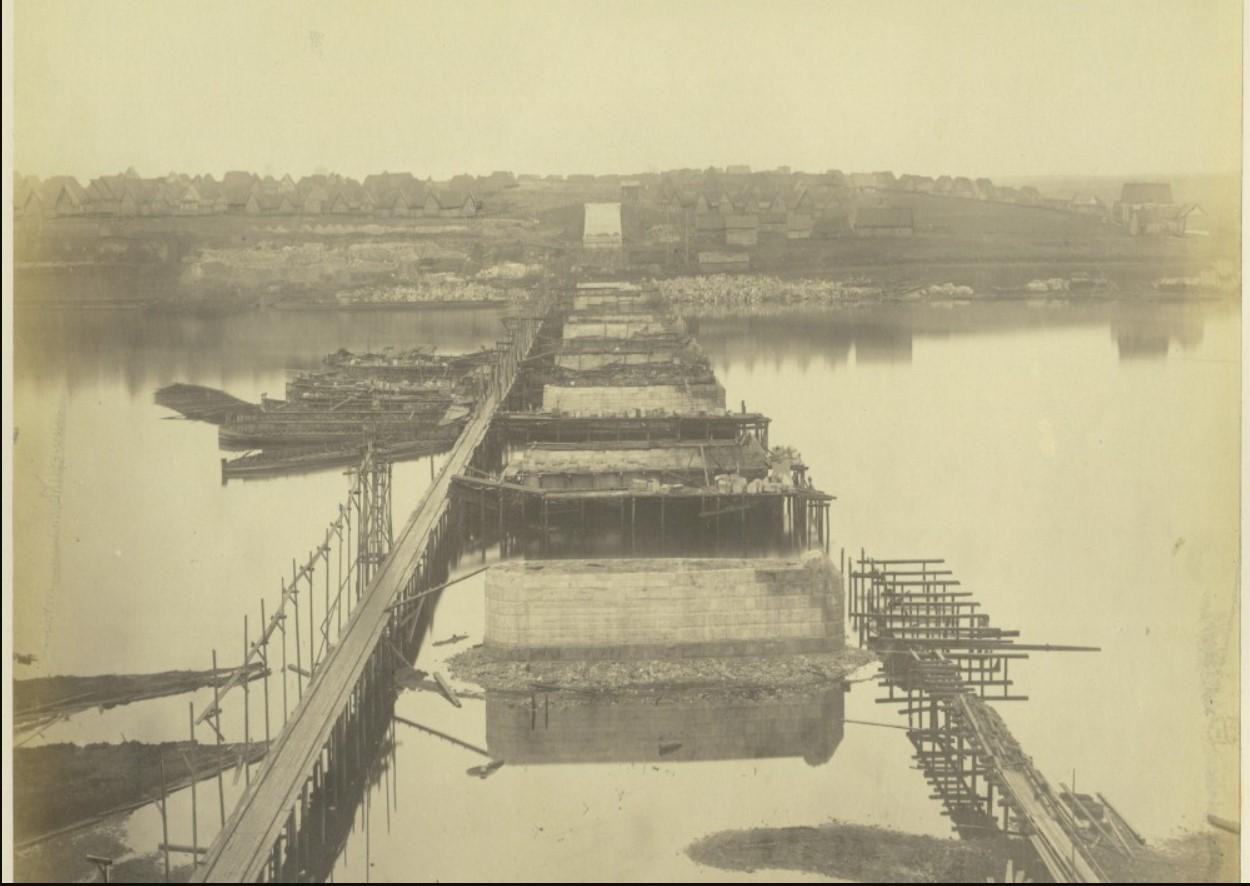 5 ноября 1863 года. Строительные работы первого года сооружения моста подходят к концу