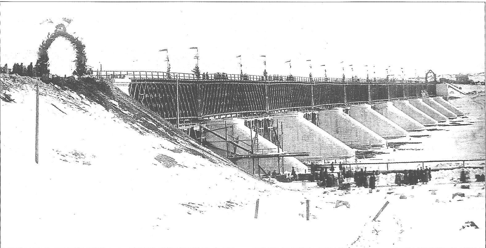 20 февраля 1865. Вид Окского моста в день открытия его.
