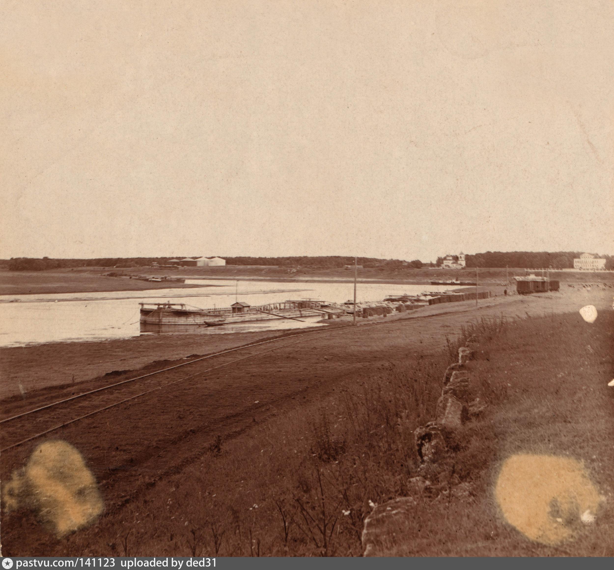 Впадение реки Москвы в р. Оку около Голутвинскаго монастыря