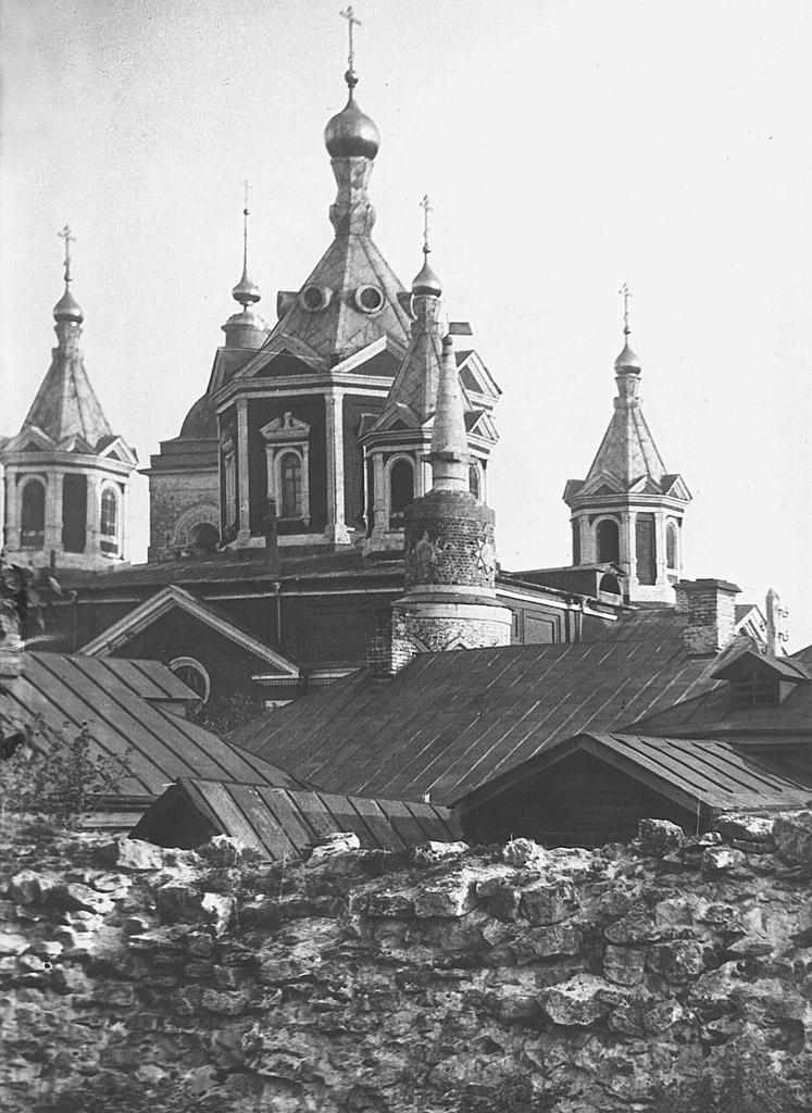 Успенский Брусенский женский монастырь, Крестовоздвиженский собор.