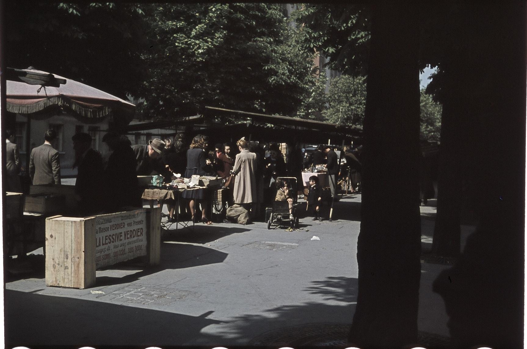 Небольшой рынок в Венсене