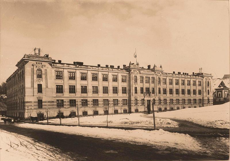 01. Общий вид здания, где был размещен госпиталь