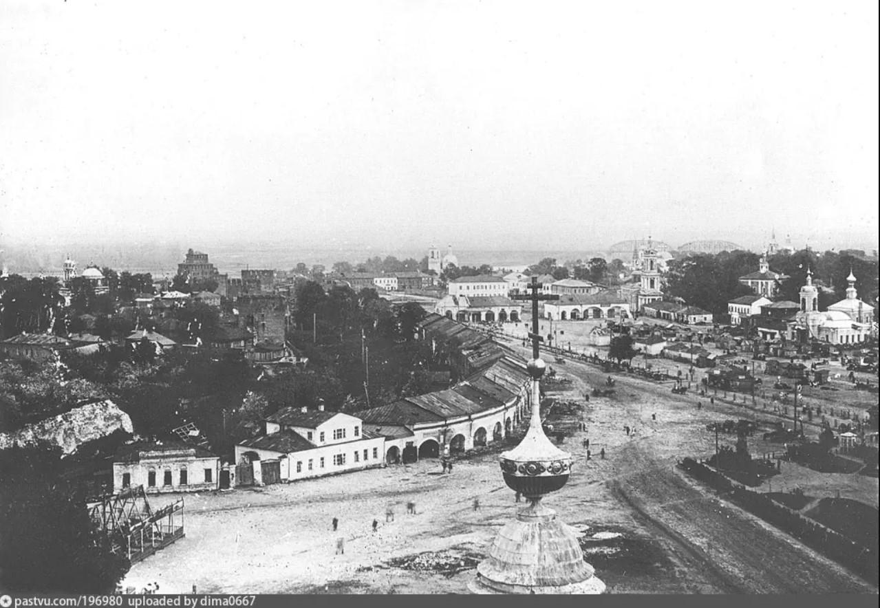 Вид с колокольни церкви Иоанна Богослова на Житную площадь