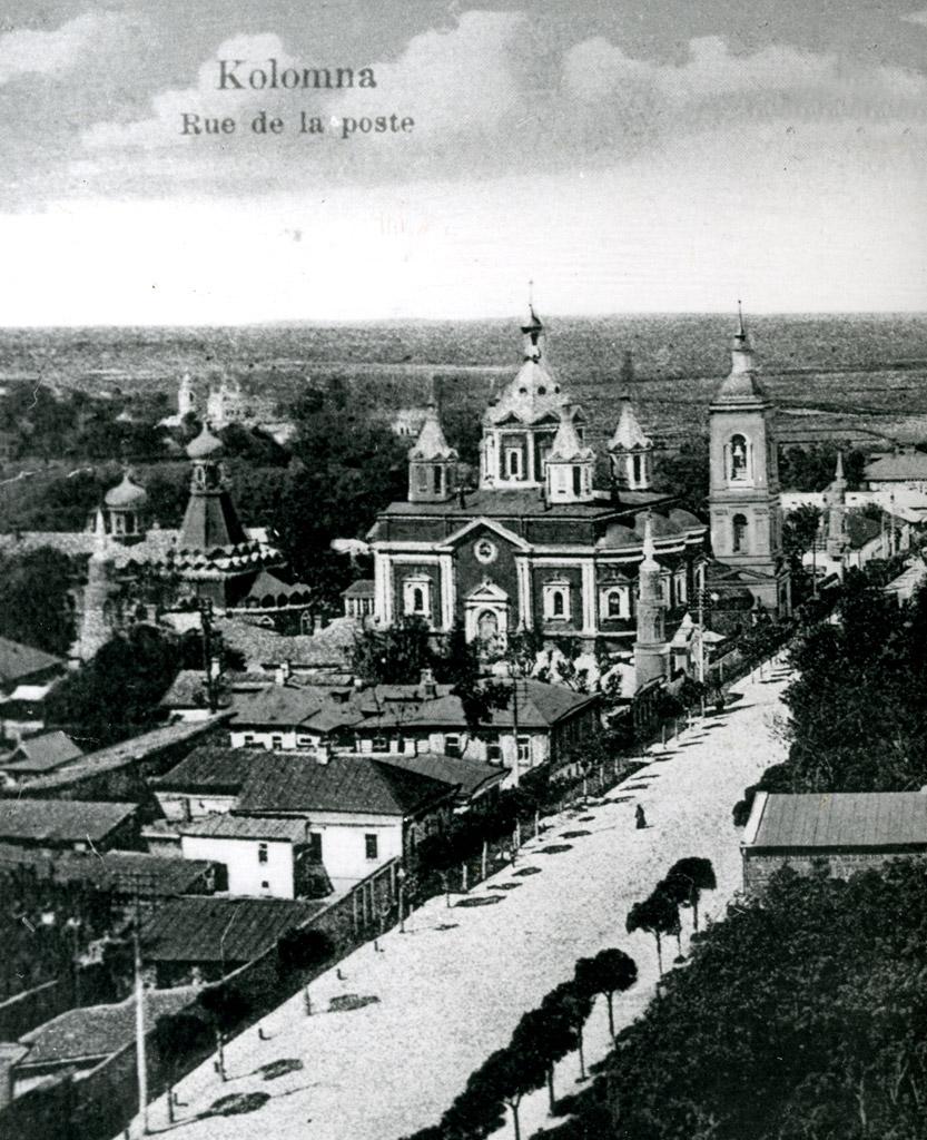 Вид с колокольни церкви Иоанна Богослова на Успенский Брусенский женский монастырь.