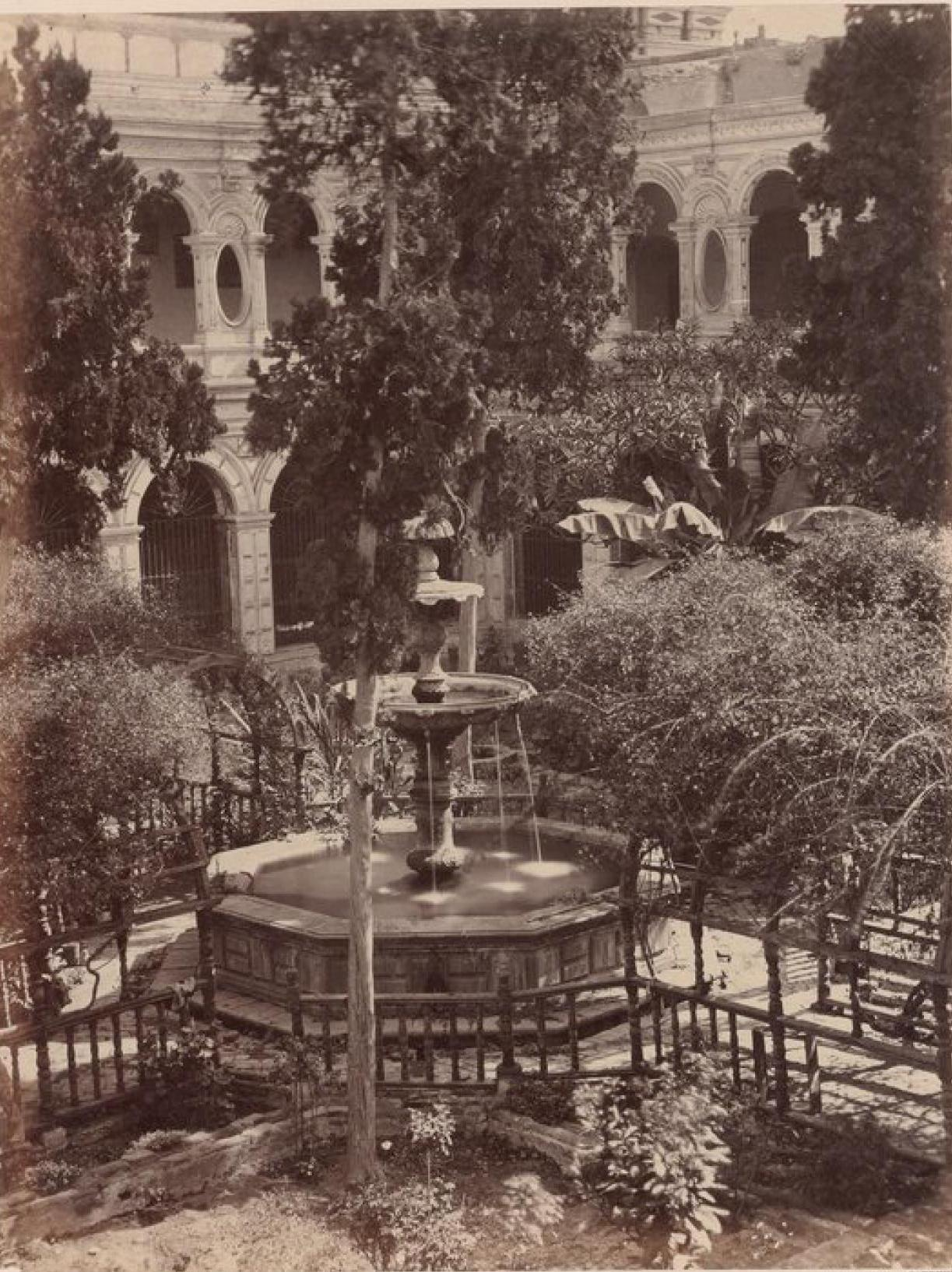 Лима. Сад ордена монахов францисканцев