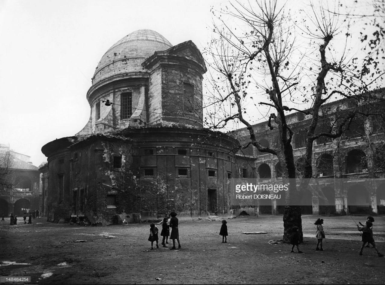 1951. Вид на «La Vieille Charite», бывшую богадельню, ныне функционирующую как музей и культурный центр. Марсель