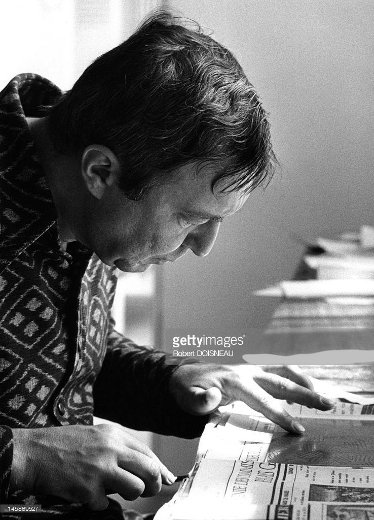 1975. Художник Джаспер Джонс в гостях у принтмейкера Альдо Кроммелинка на улице Гренель, 172 в Париже. 18 июля..1