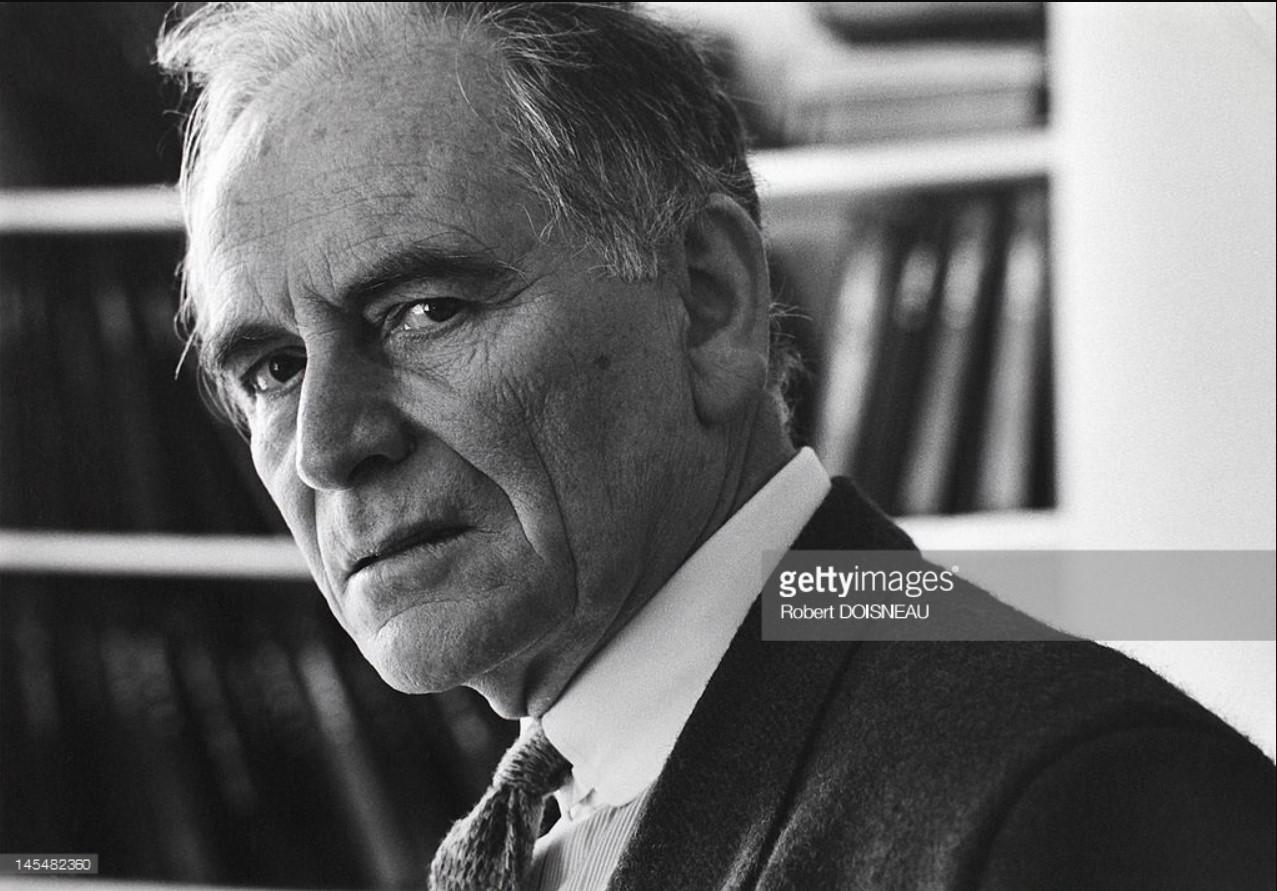 1985. Портрет Пьера Кардена в его офисе