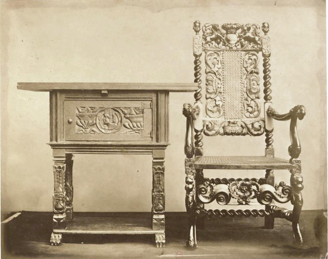 Маленький дубовый стол; резное кресло (1640-1680)