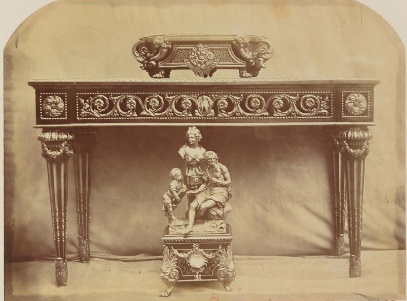 Пристенный столик с мраморной плитой (1760)