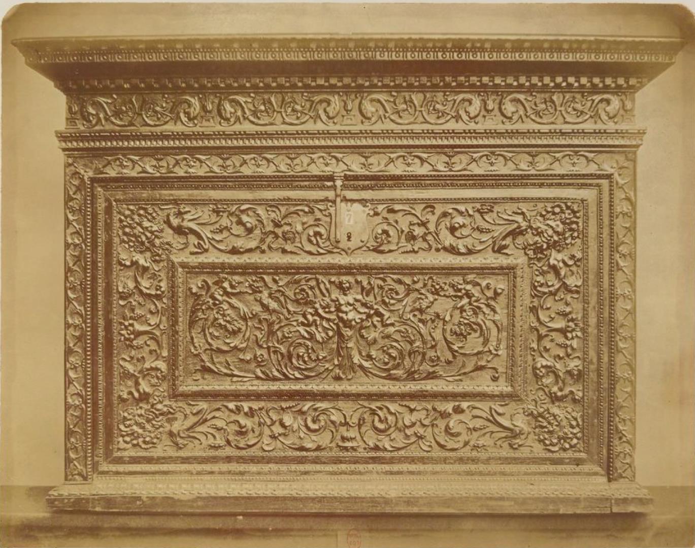 Резной дубовый шкаф. Верхняя часть (1520-1550)