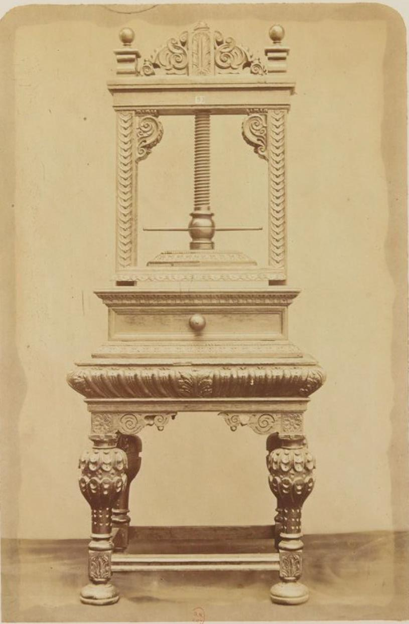 Резной шкаф для салфеток (ок.1600)