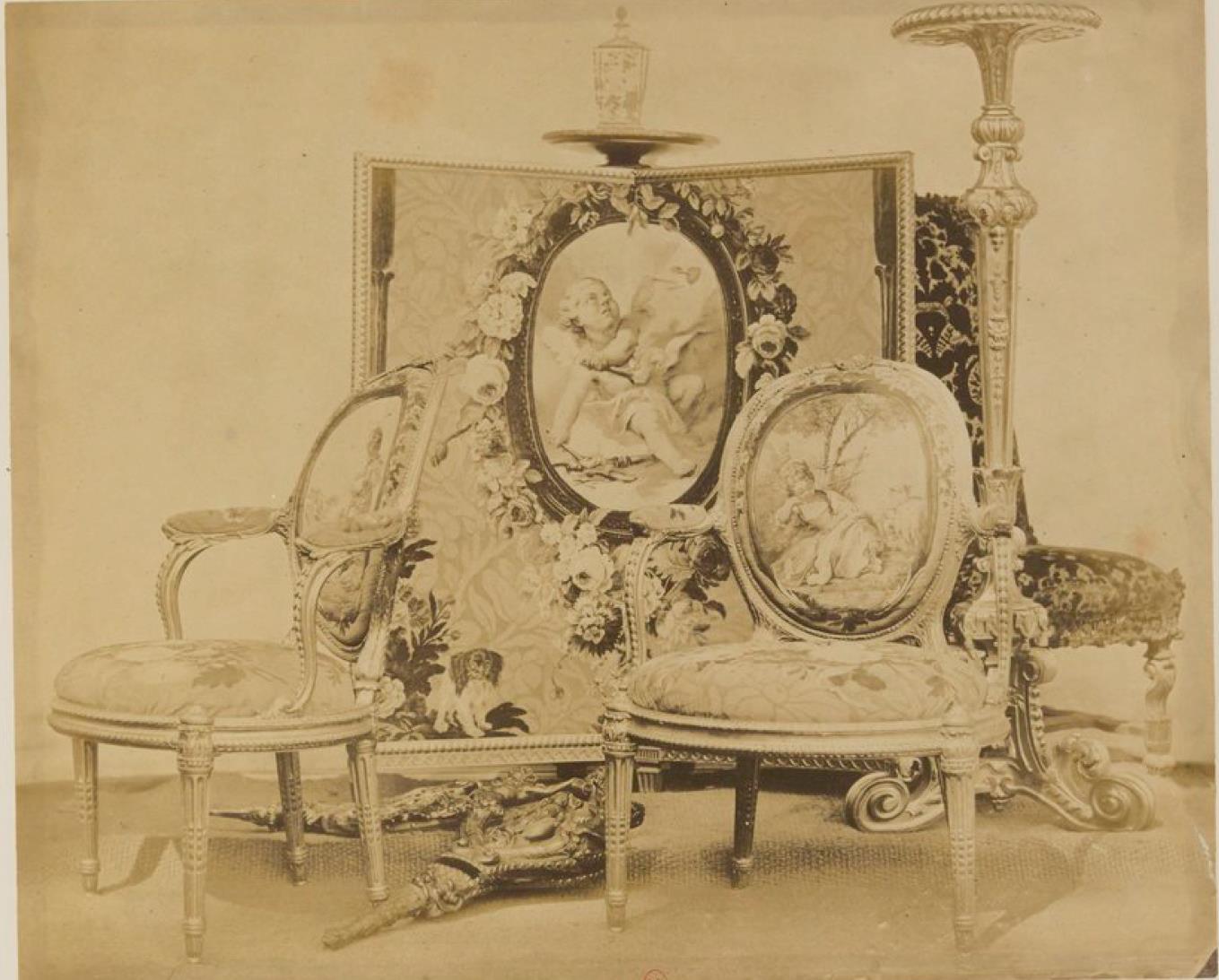 Ширма и стулья покрытые шпалерой (ок.1760)