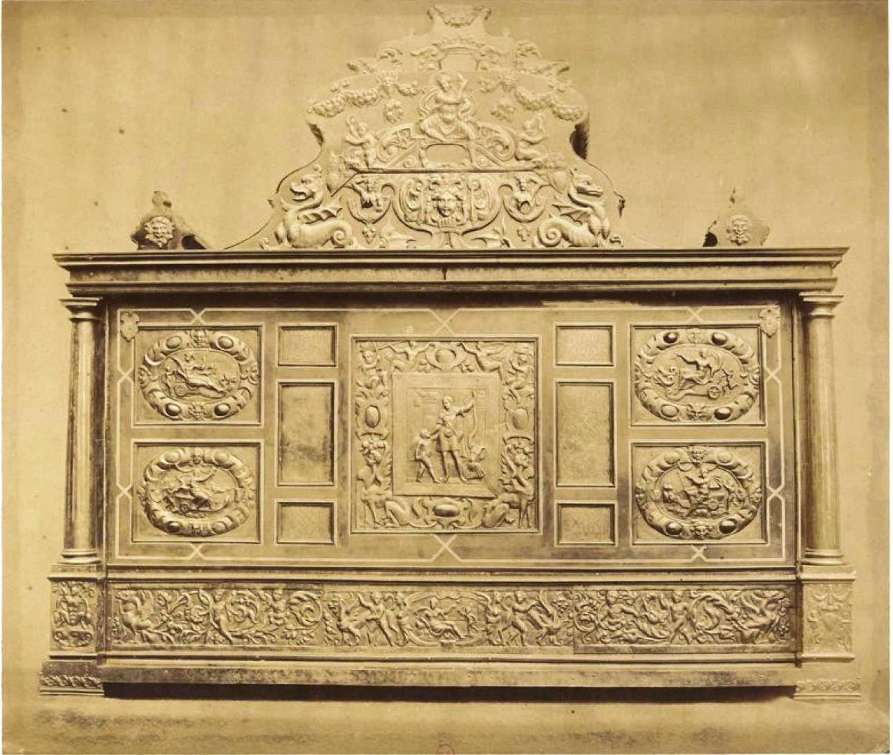 Шкаф (1560)