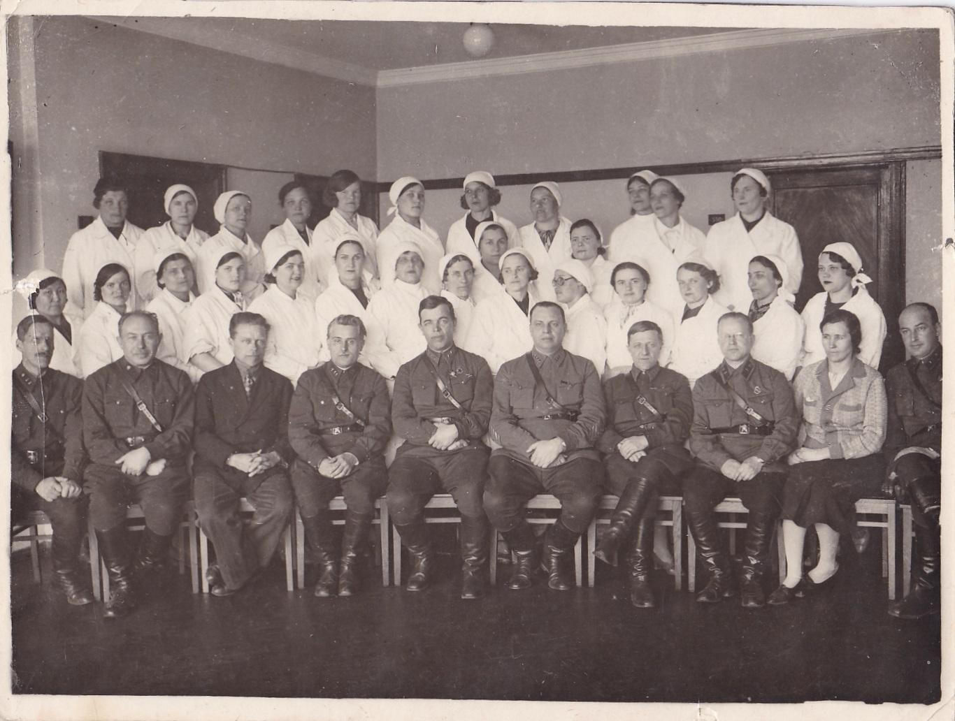 1940. Академия им.Фрунзе. Курсы медсестёр