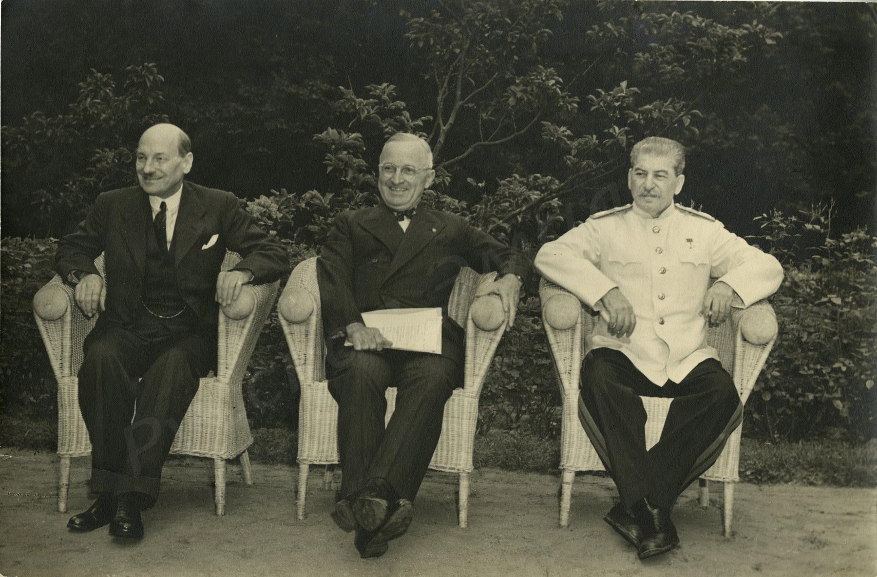 1945. К.Р. Эттли, Г. Трумэн, И.В. Сталин во время конференции в Потсдаме
