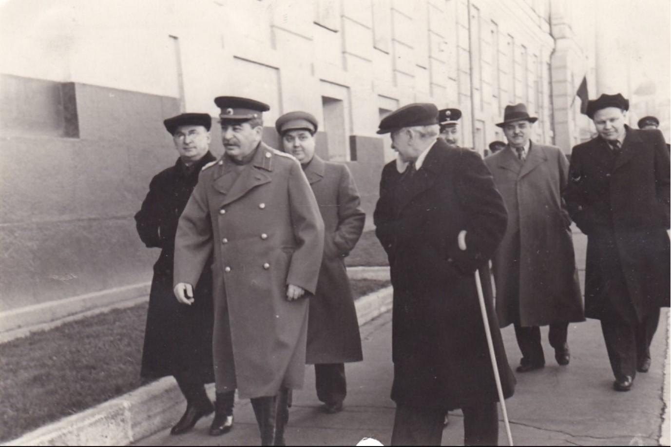 1945. Сталин, Берия, Маленков, Шверник и др. 1 мая