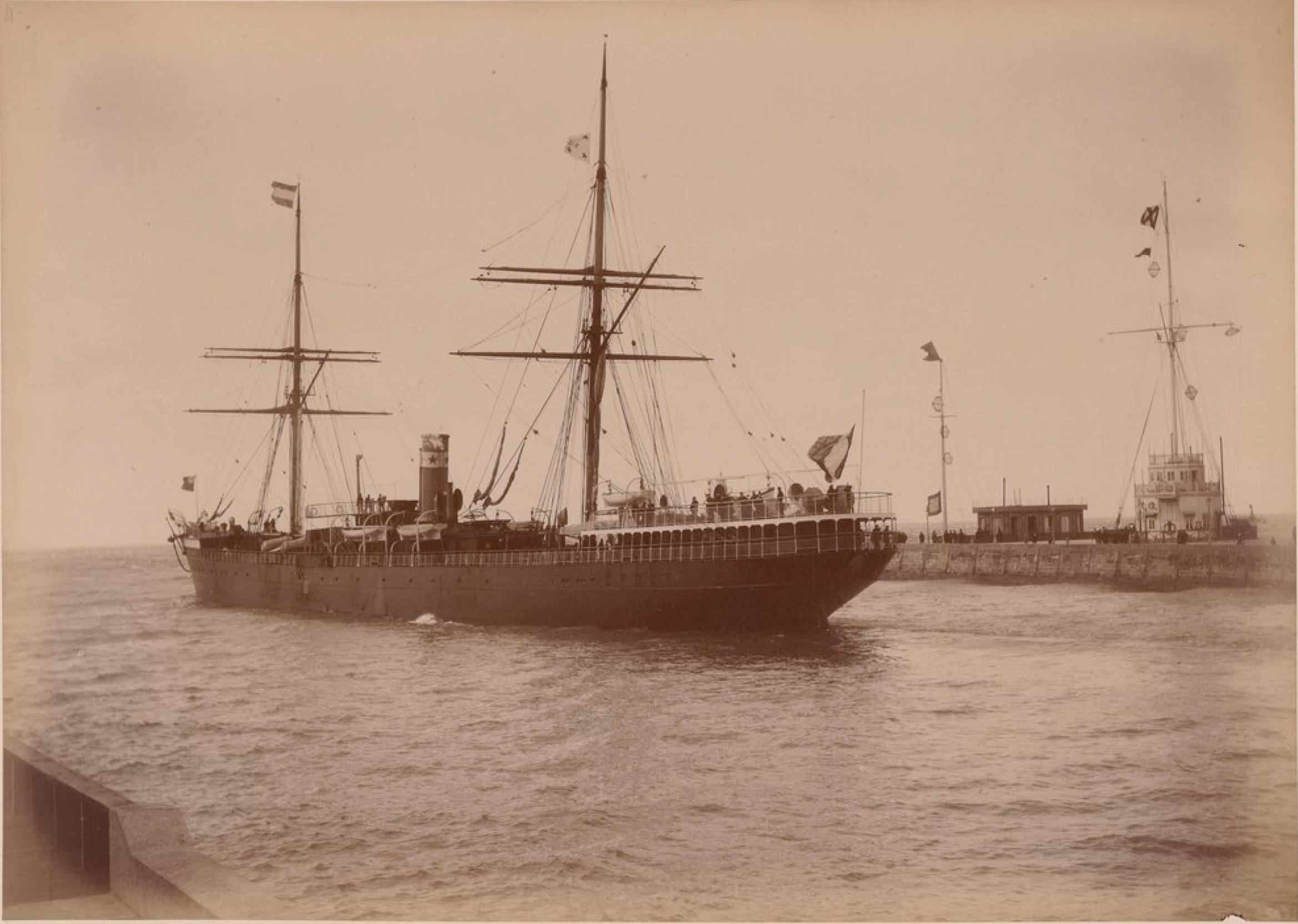 Компания «Chargeurs Reunis». Гавр. Корабль «Рио-Негро» (использован Францией для транспортировки войск в Тонкин в 1885)