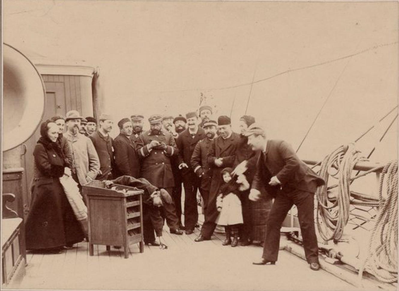 На борту пассажирского судна «Св. Лаврентий» во время рейса у берегов Ньюфаундленда