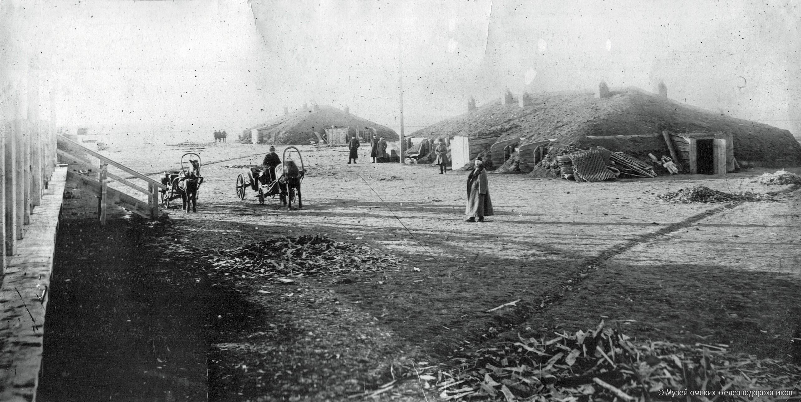 1894. Временный вокзал на левом берегу Иртыша 1894