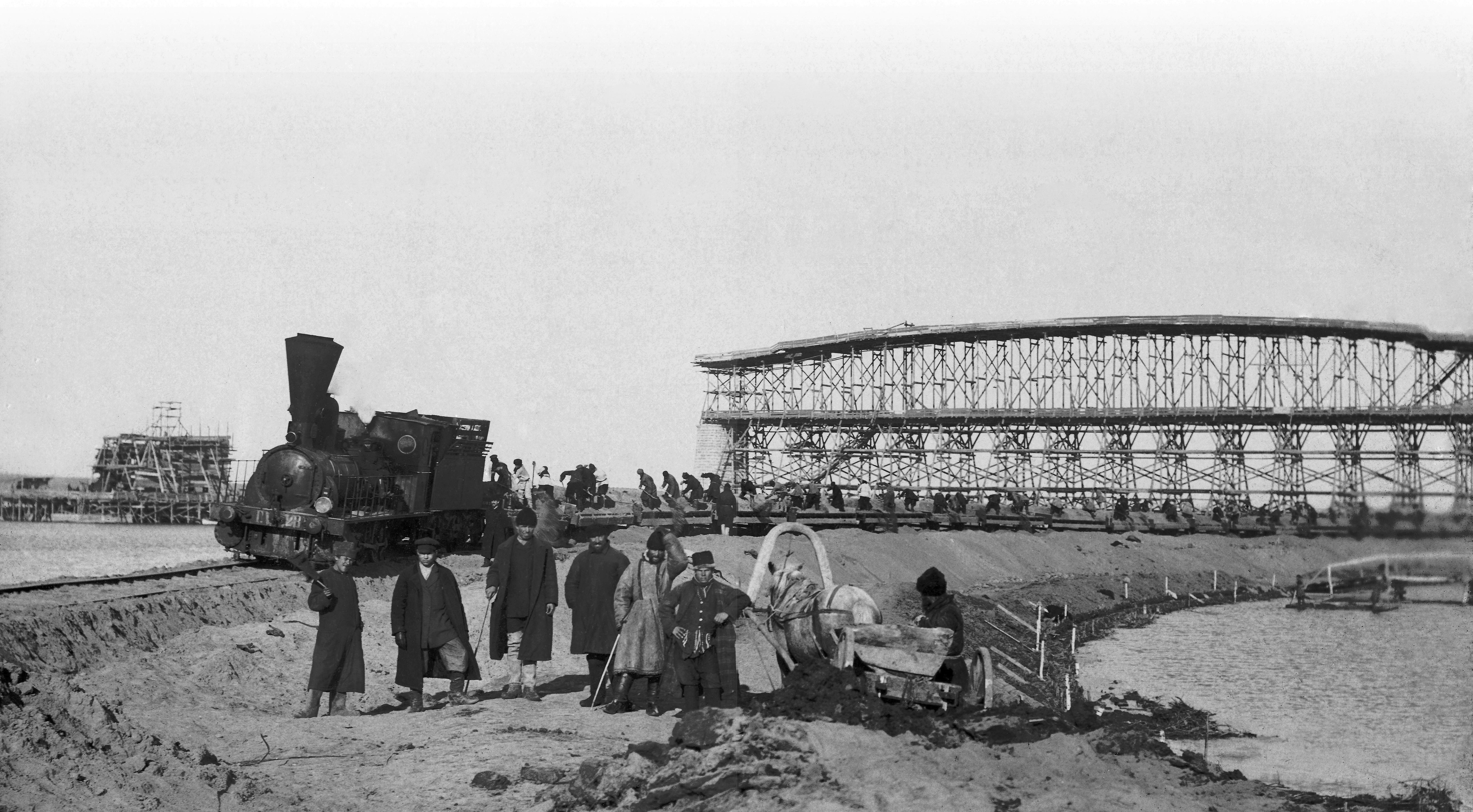 1895. Постройка струенаправляющей дамбы у левого берега к югу