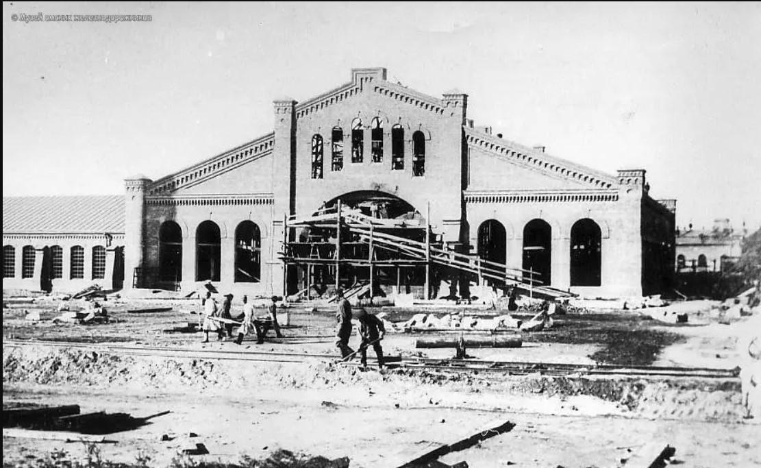 Окончание строительства здания Главных мастерских на станции Омск