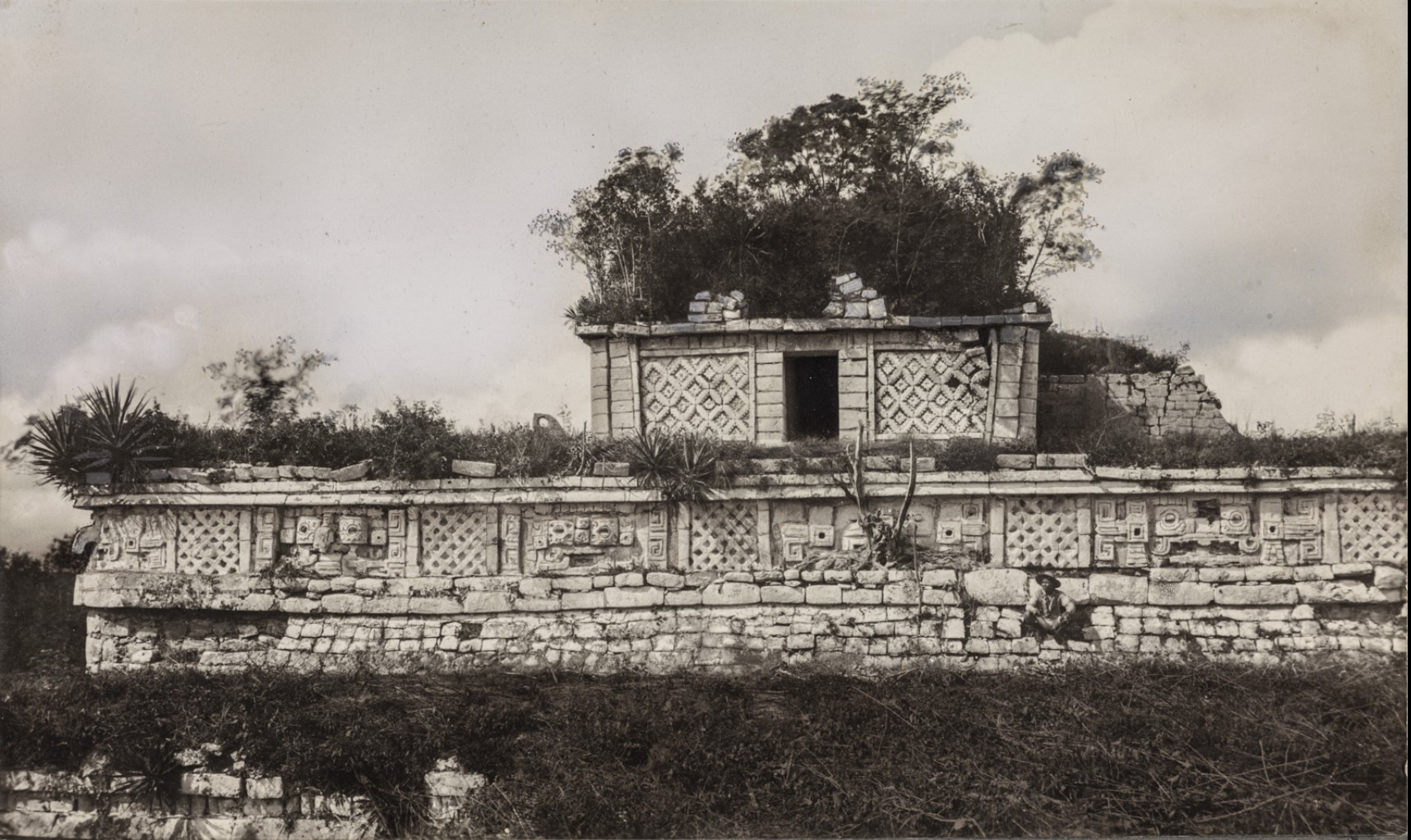 Чичен-Ица. «Лас Моньяс» («Женский монастырь»)