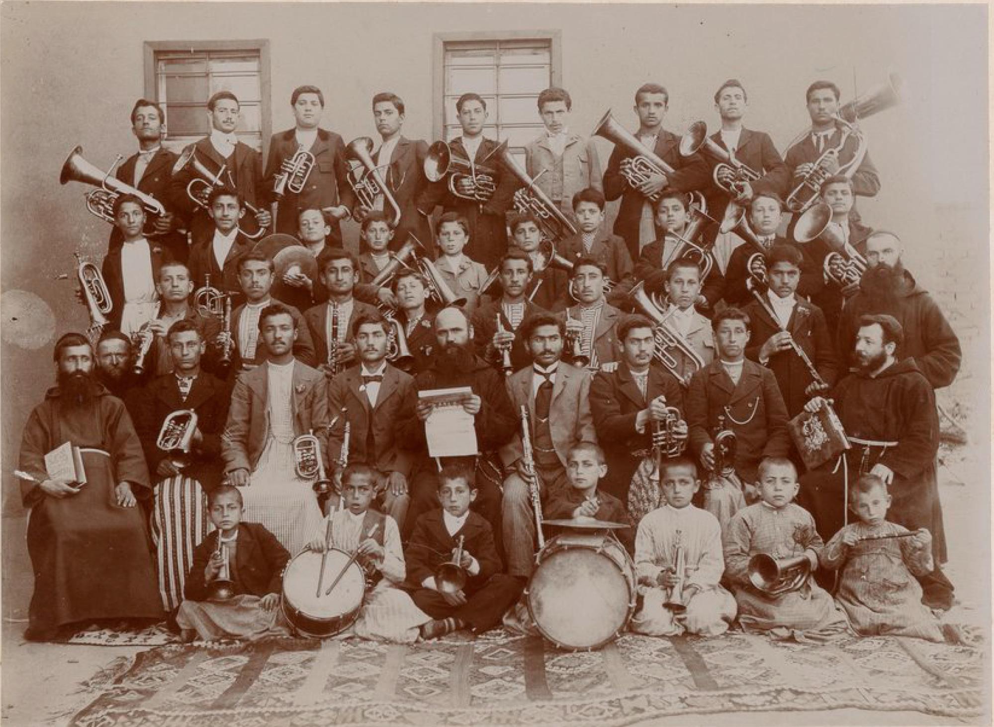 Мезре. Оркестр Колледжа миссионеров