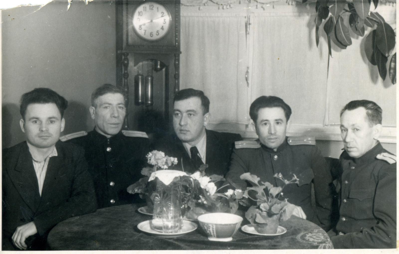 1951. Старший лейтенант МГБ Гимаев (2-й справа) с коллегами в ведомственном санатории «Отдых».  Москва