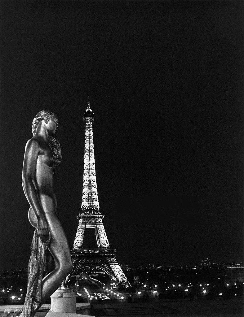 1986. Эйфелева башня ночью из Трокадеро