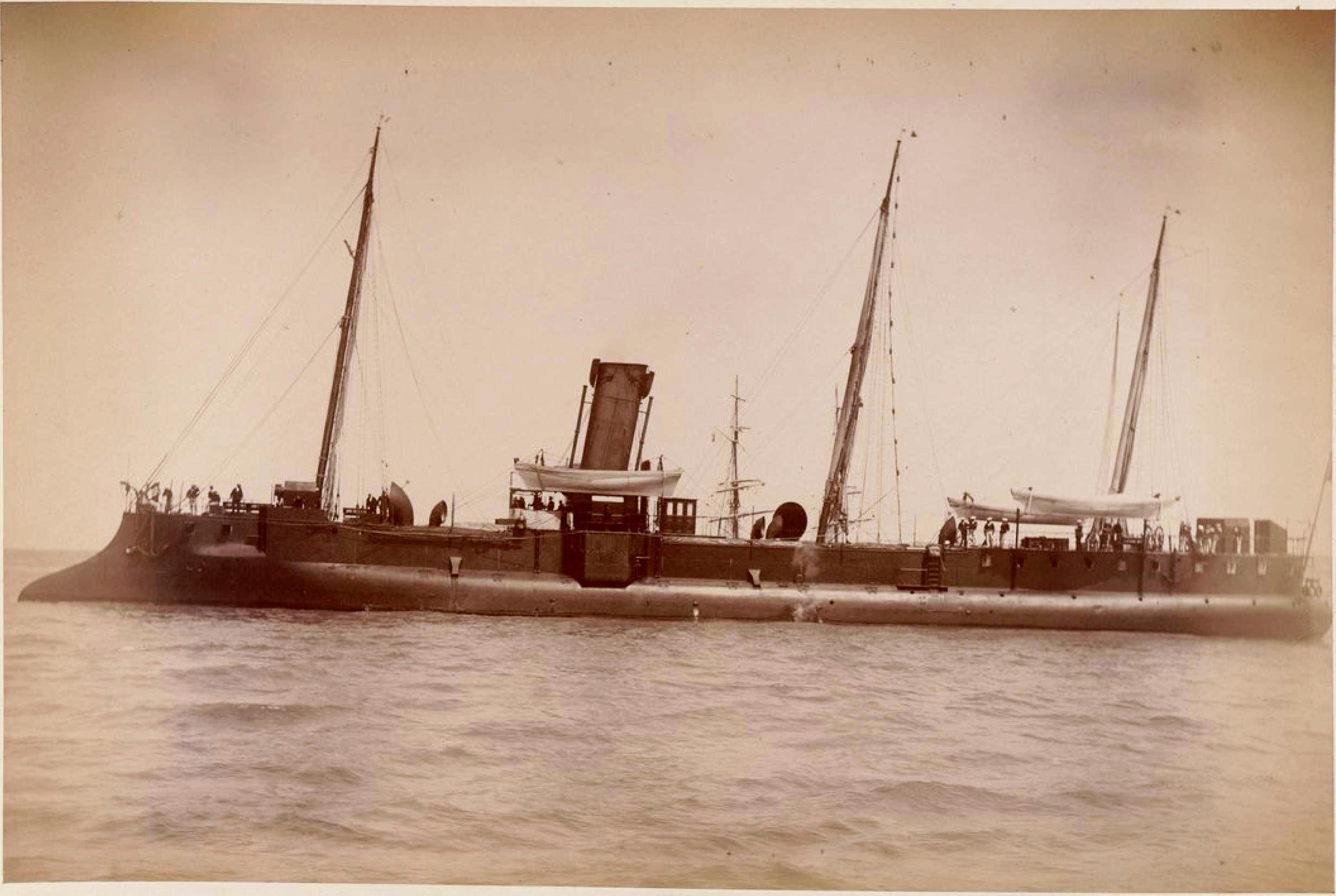 Броненосец в гавани Гавра (2)